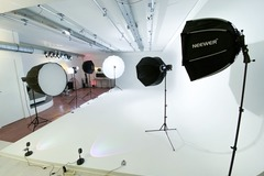 Rent by the day: Studio URBAN location studio Shooting / Tournage